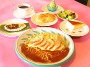 ・サラダ・パン・プチケーキ・ライス・ソフトアイス(4種)・ソフトドリンク