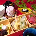 昼の箱膳 ¥1000税別(ランチタイムのみ)