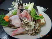 高級魚のクエをお値打ちの価格でご提供。皮酢、酒蒸し、煮付け、刺身、シャブシャブ、鍋、天ぷら、雑炊