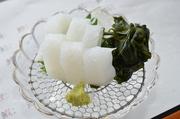 当店特製のタレに活きたまま漬け込んだ渡り蟹です。一度食べたら絶対やみつき。(要予約)