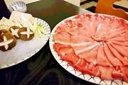 口取り、お造り、豚しゃぶ「国産豚バラ肉150g」、野菜、うどん、甘味