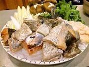 口取り、前菜、鱈お造り、焼き白子、鱈鍋、鱈雑炊、香物、甘味