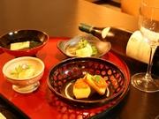 先付、茶碗蒸し、お造里、焼物、揚げ物、煮物、留椀、お食事、香物、甘味