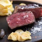 これぞ【又三郎】を代表する逸品『熟成肉の厚切りステーキ』