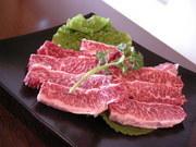 お肉の素材を楽しむ最高の焼肉です。 ワサビを乗せて特選和牛の美味しさを味わってください。