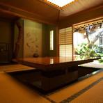 全席個室。日本庭園を眺めながらしゃぶしゃぶを堪能