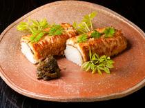 春から夏にかけての名物『鱧寿司』