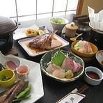 漁獲量「日本一」を誇る本場の味。寒さが増すごとに美味しさが倍増するとらふぐをお愉しみ下さい。