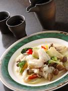 あっさりとした味わいが魅力の『紋甲イカと緑ザーサイの炒め』