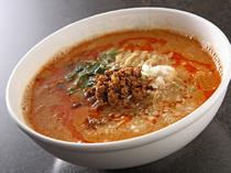 御殿場産の細麺を使った『坦々麺』