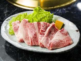日本全国から入ってくる牛肉の状態を厳選して仕入れる「和牛」