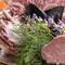 スタッフ全員で育てている農園野菜を、新鮮なまま食卓へご提供。