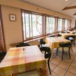 各種テーブル席、個室もご用意しております。