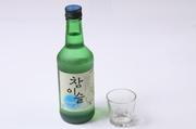 竹炭で濾過した飲みやすい韓国焼酎