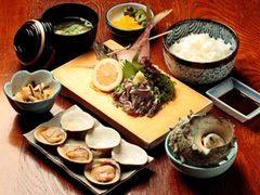 魚見亭 自慢の充実の定食!他にも各種御定食ございます。新鮮な海の幸を御堪能下さい!