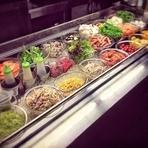 サラダバーには、ご飯、カレー等も含まれます。