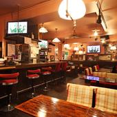 「昼から居酒屋」、お酒や料理を楽しみ会話が弾むお店です