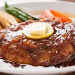 オリジナルのソースで味わう、マグロの『フルテールステーキ』