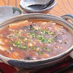 店主オリジナルの『ピリ辛豆腐』は欠かせない肴です。