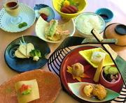 食前酒(又はジュース)とサラダ・デザート付き お造りや焼物、小鉢物、プレート盛り、揚物など