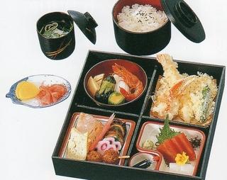 松華堂(4枠)(吸い物付) 2000円