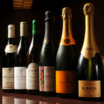 ワイン・日本酒・焼酎なども種類豊富に揃えています。