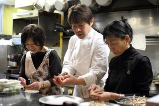 季節の食材を上手に使う「須賀シェフの料理教室」 (予約制)