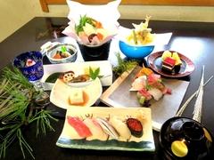 【特典】 15名様以上でご予約のお客様には、幹事様1名様のお食事をサービス致します。