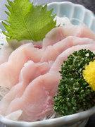 昨今、健康食として注目を浴びている鯉料理。滋養強壮にすぐれており、女性のお客様に人気です。
