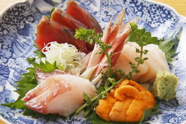 旬の魚を使った『刺し盛り』