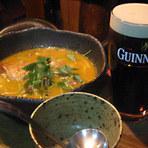 スープカリーと樽生ギネスビール