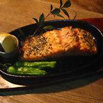 季節の魚の香草焼