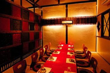 二階の座敷 人数に合わせた個室をご用意!大人数の宴会も可能。