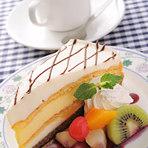 セットでお得☆『シューバナナケーキ』のケーキセット