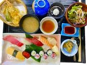 上にぎりと天ぷら ※珈琲付き 水、木、金曜のみ12時までにご注文の方、デザートをケーキに変更できます。