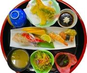 ※一日10食限定 握り5カン、日替わりミニ丼、天ぷら、ソフトドリンク付き