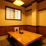店内奥の個室席は、少人数での会食やご宴会、またおもてなしのご接待でのご利用にお勧めです。周りを気にせずゆっくりとお食事をお愉しみ頂けます。