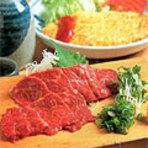 新鮮な岩魚や馬刺しなどを肴に、美味しいお酒をお愉しみ下さい