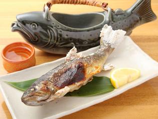 岩魚釣り名人の店主が釣った『天然岩魚の塩焼き』
