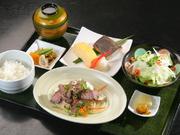 和食メインのランチ。季節の旬のものを取り入れて、その日その日によっていろんな味を楽しめます。