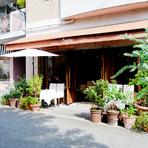 フィレンツェに実在するレストランをモデルにデザイン