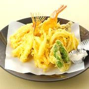 季節の山・海の幸を揚げたての天ぷらで。  天ぷら       ¥885 野菜天ぷら     ¥669 山海天ぷら盛合せ  ¥1,490 舞茸天ぷら     ¥507