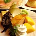 フルーツとケーキのデザート