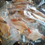 手づくりの品が並ぶお土産コーナーで、銚子の味をお持ち帰り
