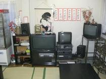 宴会向きの奥座敷にはカラオケ・TV完備。