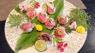【サービス】 「人気の手まり寿司(全員に2個づつ)サ-ビス」
