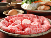 最高級の伊賀肉のみを使用した珠玉の『すき焼き』。素材の旨みをたっぷり味わえるよう割り下は使いません。