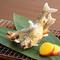 季節の単品料理『鮎の塩焼』、長良川の天然鮎を塩焼きに。