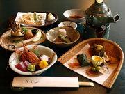 四季折々の食材が生きる懐石コースは、お値段に応じてご用意できます。「接待」「宴会」にもお勧めです。