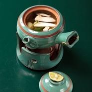 松茸土瓶蒸し (季節限定)